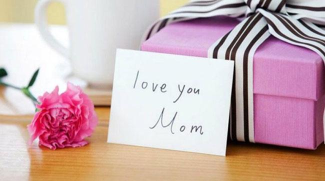 7 món quà tặng sinh nhật mẹ đơn giản ai cũng làm được