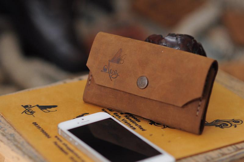 Những lưu ý khi mua ví nam làm quà tặng