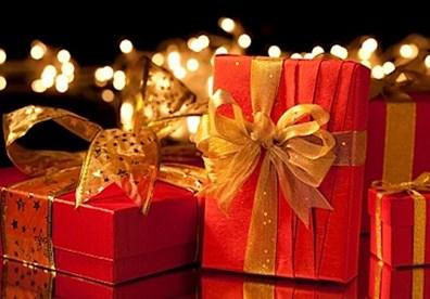 Tặng quà gì trong dịp lễ Giáng Sinh ý nghĩa nhất cho bạn gái