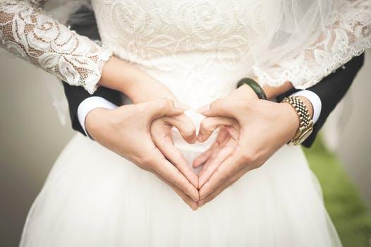 Bật mí món quà tặng đám cưới ý nghĩa thay cho phong bì