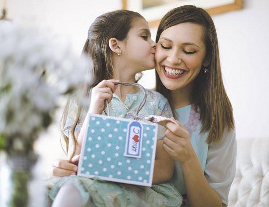 Ngày của Mẹ 2018: Mách bạn 10 món quà tặng độc đáo ý nghĩa tặng mẹ