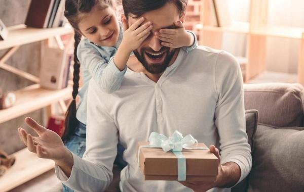 Làm sao để chọn quà tặng sinh nhật hoàn hảo nhất cho bố?