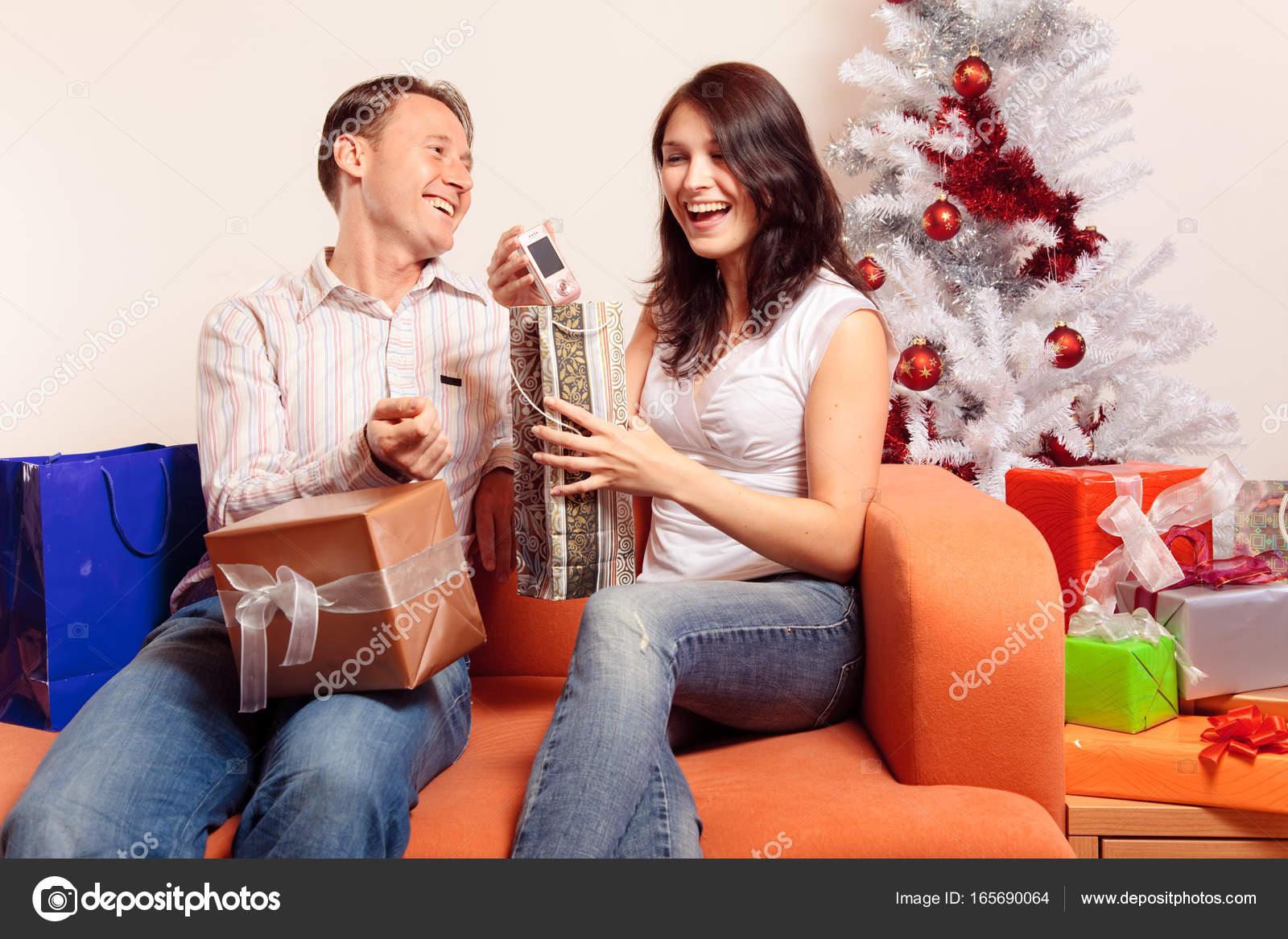 """Bí quyết chọn quà giáng sinh khiến """"người ấy"""" thích mê"""