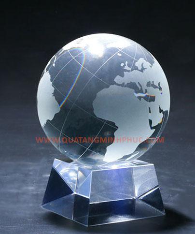 Quả cầu pha lê địa cầu